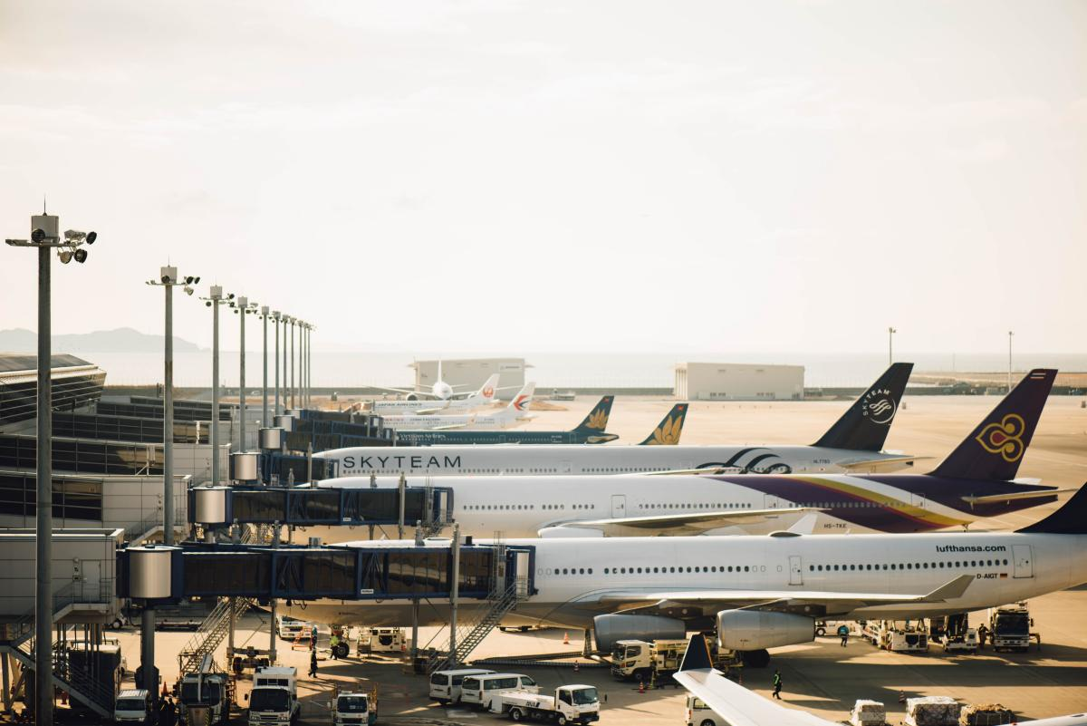 Consolidated Airfares - Airlines, Airport