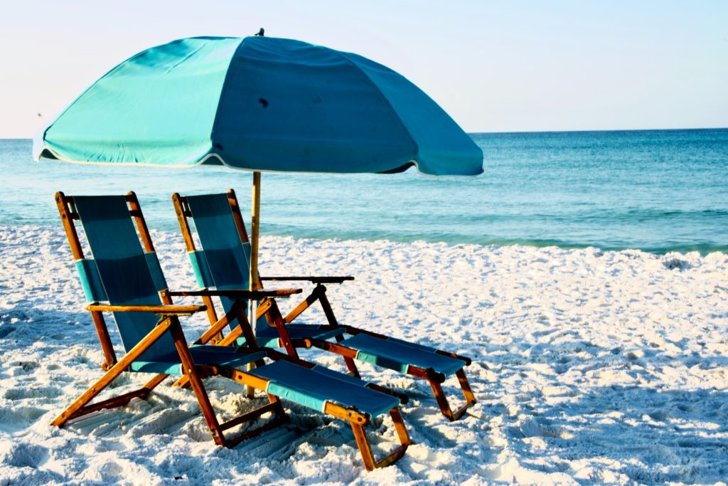 cheap flights to Florida; Northwest Florida Regional Airport; cheap domestic flights; best beach in the US